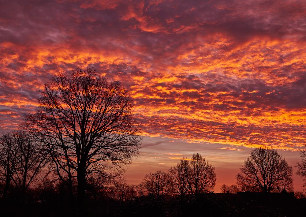 Deutschland_Schleswig-Holstein, brennende Wolken